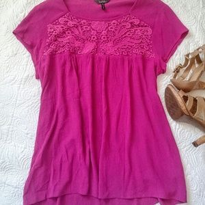 Nicole Miller flowy orchid pink top,lace detail